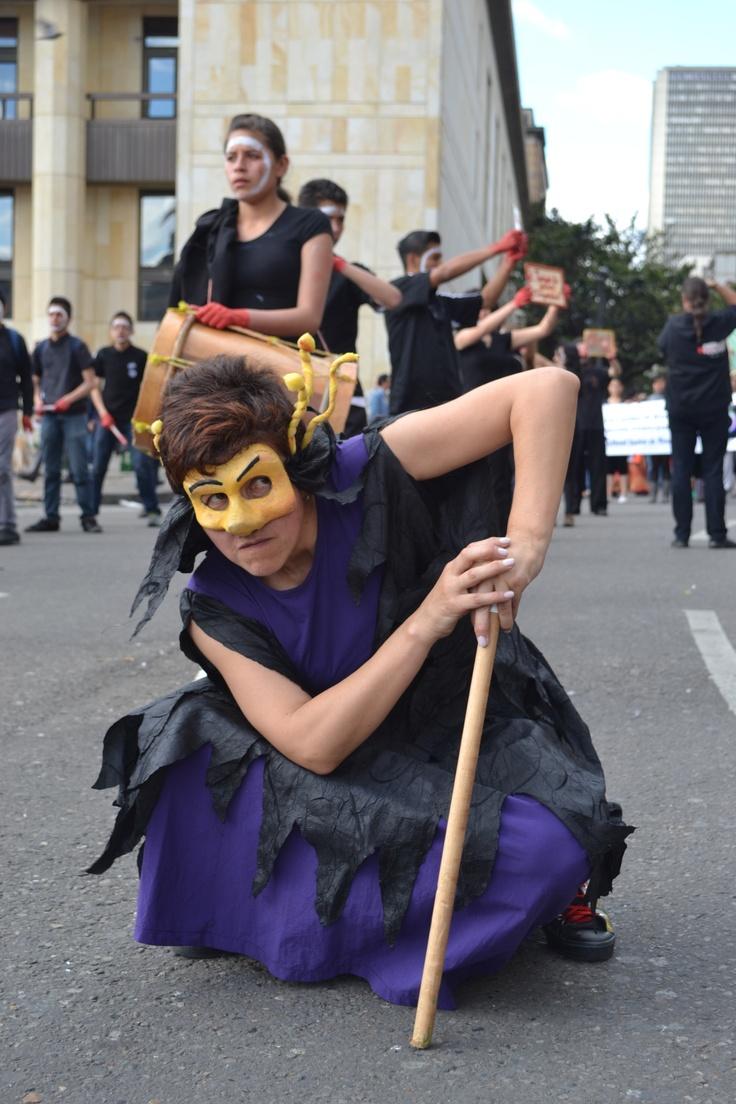 artista bogotano, en plaza de bolívar