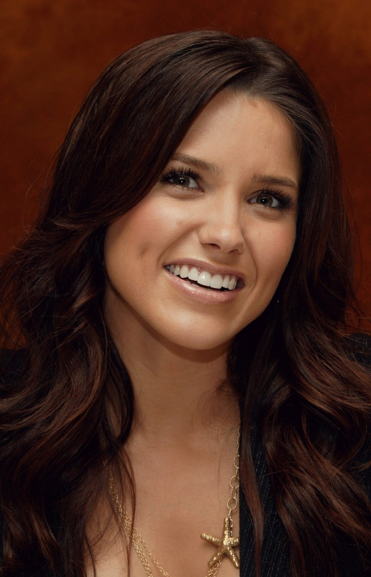 25+ beautiful Sophia bush hairstyles ideas on Pinterest