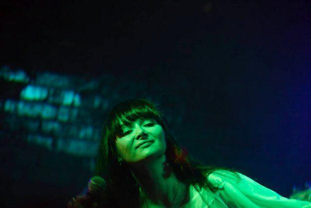 Ania Rusowicz, piosenkarka i kompozytorka: Dopiero od niedawna zaczęłam słuchać muzyki mojej mamy, przedtem to było zbyt bolesne. Zobaczyłam filmy z jej udziałem - ''Mocne uderzenie'' i ''Kulig''. Poczułam, że nie jestem jak stół bez nóg. Więcej: http://www.wysokieobcasy.pl/wysokie-obcasy/1,53662,10915873,Co_to_jest_ten_bigbit_.html