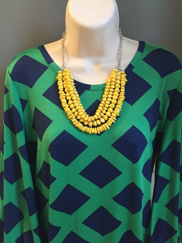 Nautische Buttercup gelb Puka Shell Stil Multi-Strang klobige wulstige Kronleuchter Halskette von BohoJewelBoutique auf Etsy https://www.etsy.com/de/listing/469393371/nautische-buttercup-gelb-puka-shell-stil
