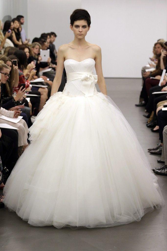 14 best Vera Wang 2014 images on Pinterest   Wedding frocks, Short ...