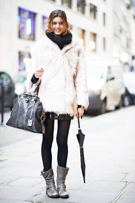 Black and white not-such-basics in Paris #streetstyle