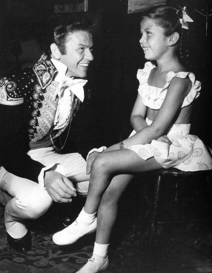 Frank Sinatra and daughter Nancy in 2020 | Nancy sinatra ...