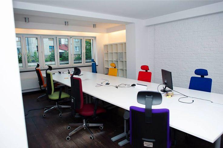 #office #stylish #minimal #white #colours #interior
