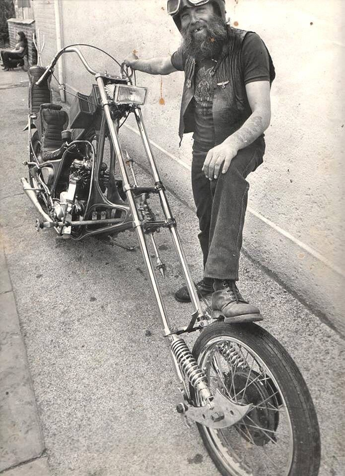 A blog about choppers without harley engines : Photo
