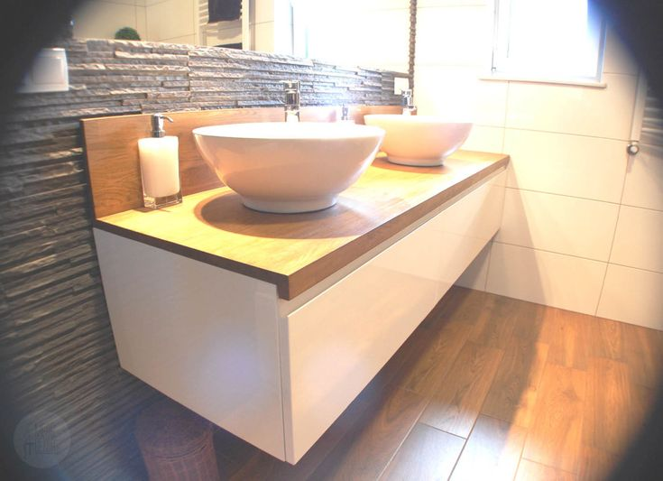 White gloss & countertop oak.