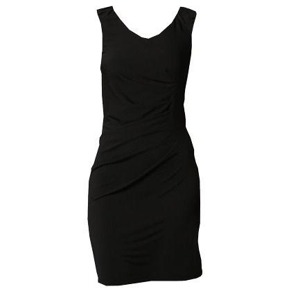Feestelijke jurk met plooien van Selected Femme. Every girl needs a LBD ♥