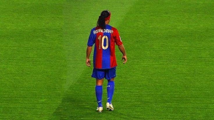 http://www.heysport.biz/ Ronaldinho Gaucho ● Moments Impossible To Forget