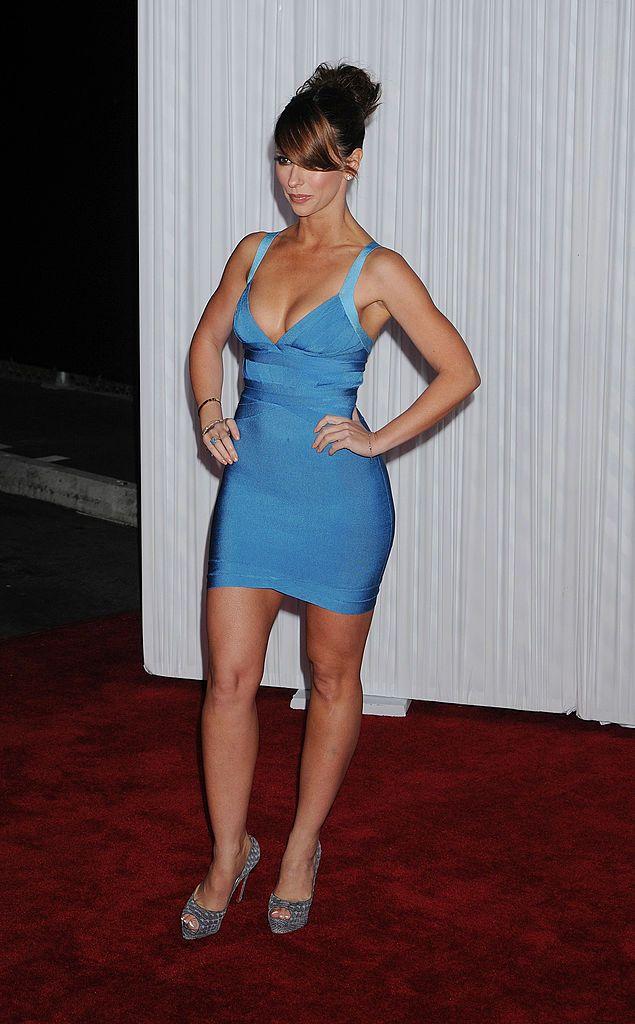 Actress Jennifer Love Hewitt Arrives To The Ghost Whisperer 100th Jennifer Love Hewitt Pics Jennifer Love Hewitt Jennifer Love