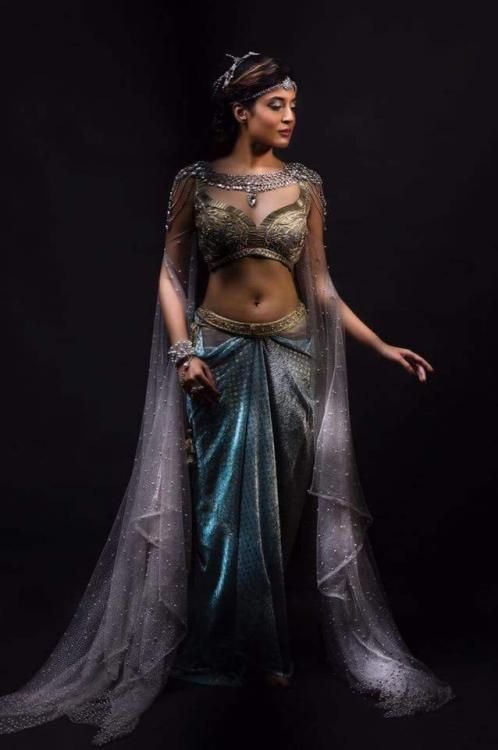 First Look: Kritika Kamra looks enchanting in and as Chandrakanta!
