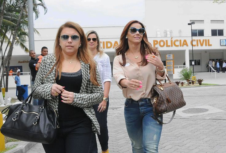 Fabíola Reipert resgata declaração e revela que Viviane Araújo gosta de transar em carros e locais diferentes - Fotos - R7 Balanço Geral
