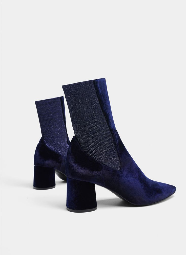 Uterqüe United Kingdom Product Page - New in - View all - Blue velvet ankle boots - 115