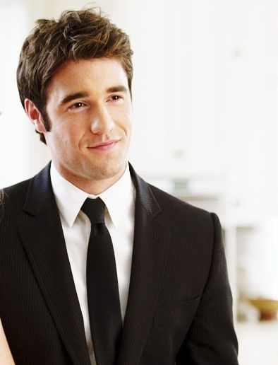 Josh Bowman. Thank god the producers didn't actually kill him off revenge. woops...spoiler alert