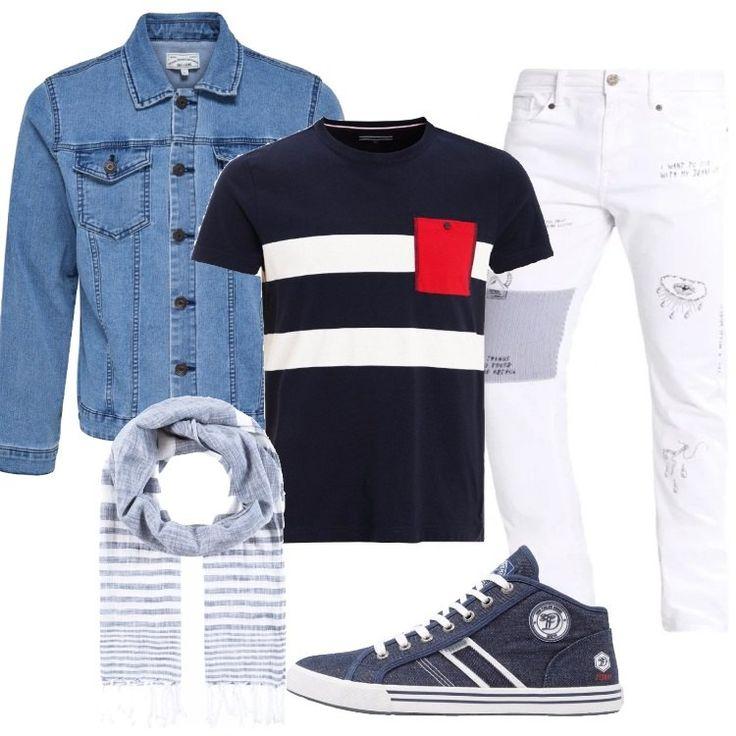 Un outfit primaverile sportivo e alla moda: jeans slim fit white, vita normale, in fantasia stampata, lunghezza alla caviglia, abbinato a t-shirt blu, in fantasia rigata, taschino in contrasto, scollo tondo, manica corta. Giacca in jeans light blue, vestibilità normale, collo classico, chiusa con bottoni, tasche con patta, sneaker alta, navy, in fantasia, punta tonda, cuciture ornamentali, logo, lacci, sciarpa blue/white, in cotone a righe.