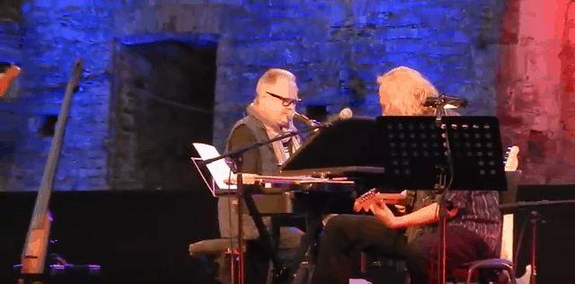 Willkommen+liebe+Mörder+–+Heinz+Rudolf+Kunze+spielt+das+Lied+vom+Tod+der+Deutschen