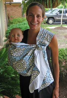 baby sling tutorial...I like this....and the baby is killing me