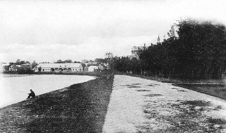 Le parc du Collège à Joliette. Vu vers  le Sud-Ouest en bordure de la rivière L'Assomption (photo Pinsonnault photographe)