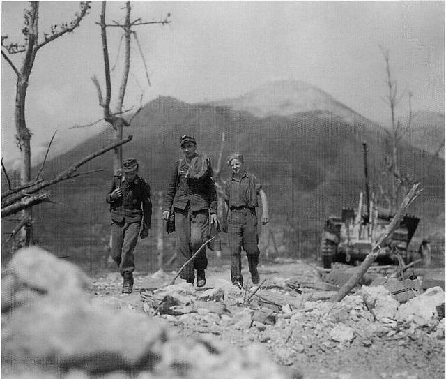 1944, Italie, Monte Cassino, Des jeunes soldats allemands … | Flickr