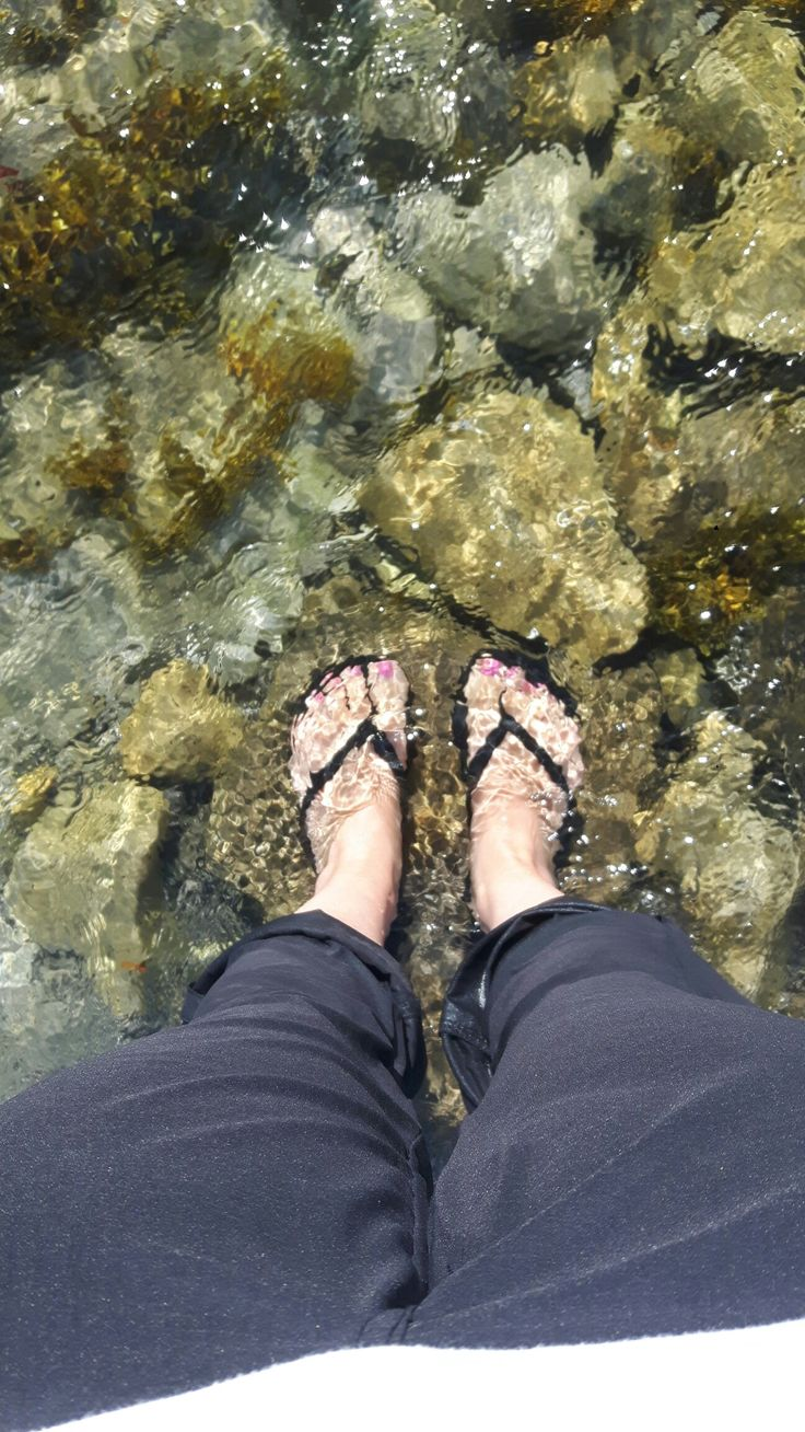 Refreshing dip for my Toes!💙