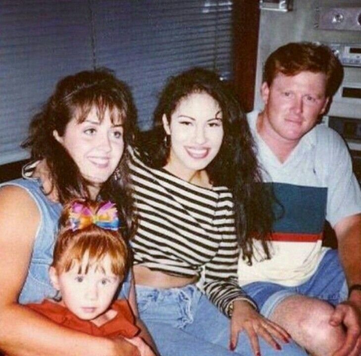 Rare Selena picture...i love seeing these kinds of pictures..