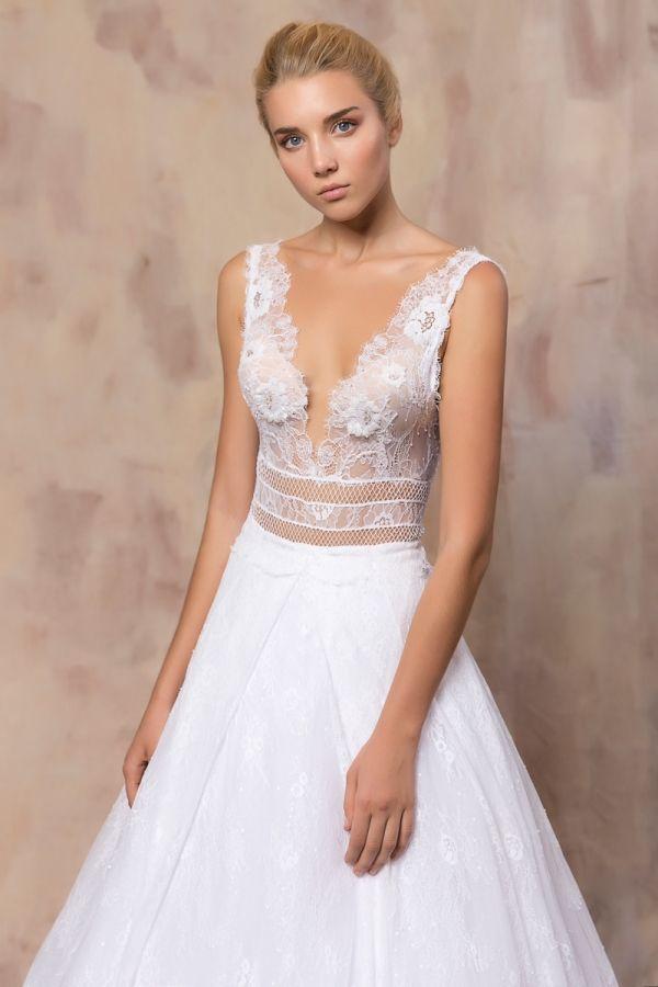 ROXANA #weddinggown #celestialcollection #newbridalcollection #costantinobridal #weddingingreece