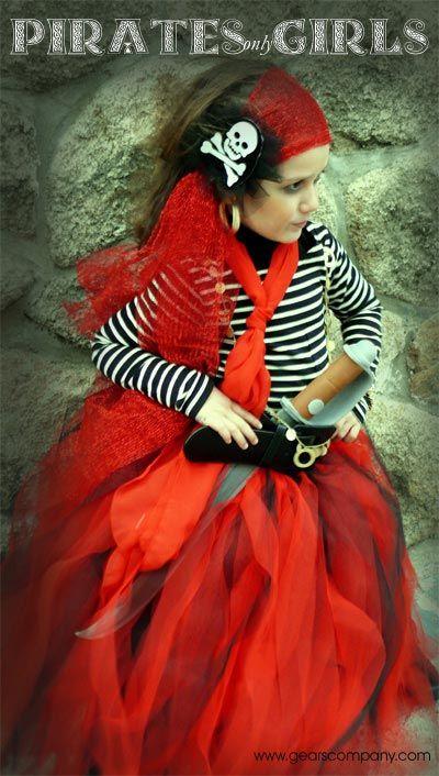 Disfraz de pirata para niñas : Para las mamás de última hora, las que dejamos las cosas siempre para el final, je, je... aquí tenéis un bonito disfraz de pirata para niñas, fácil y barat
