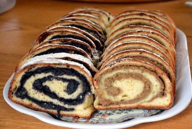 Orahnjaca I Makovnjaca Uvijek Ce Biti Savrsene Uz Ove Trikove Najbolji Recepti I Savjeti Food Just Cakes Deserts