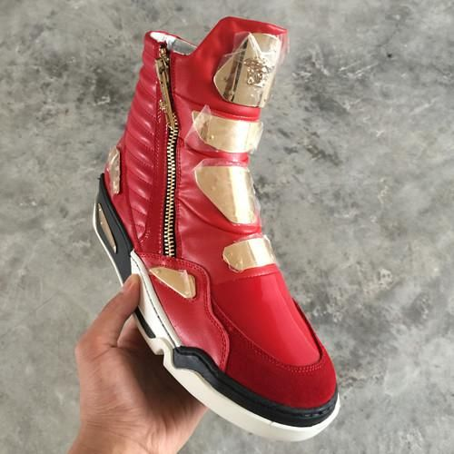 I found some amazing stuff, open it to learn more! Don't wait:https://m.dhgate.com/product/hot-sales-winter-famous-brand-men-shoes-medusa/405152089.html