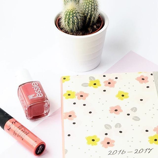 """What do you have planned? RT:""""Got a few nice things scheduled in my diary for next week 💞💞"""" 📷:@charlottesophiaroberts  #beautifullyorganised"""