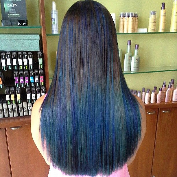 Electric Blue Streaks Melting Into A Sea Of Aquatic Blue