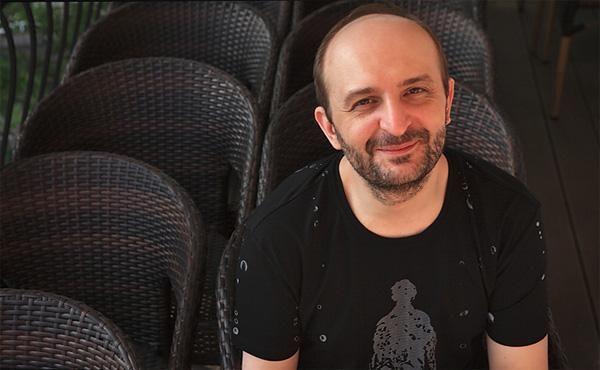 """В Москве открывается новый гей-бар - """"Моно"""". Интервью с хозяином бара Алексеем Хорошевым, московской публике известному как бывший владелец бара Zero."""