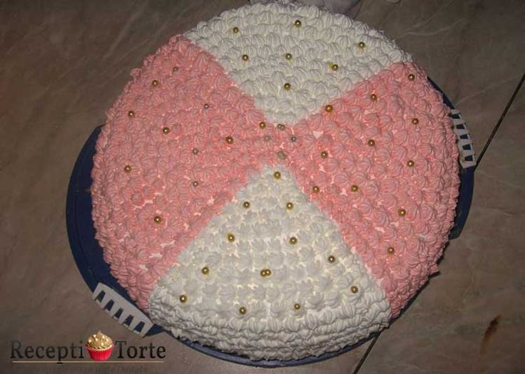 Svečana torta koju možete pripremiti za sve prigode ( vjenčanja, pričesti, krštenja ). Zahvaljujemo gđo. Željki Morić na poslanom receptu te joj čestitamo na osvojenoj nagradi.