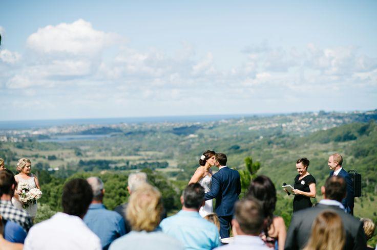 Wedding ceremony at Summergrove Estate Photo - Agi Davis Photography