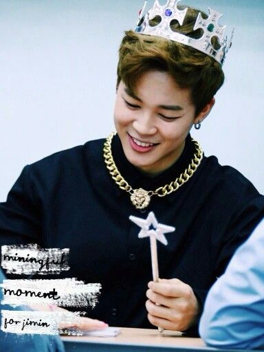 Jiminie. Finally a King. You look so handsome. :)