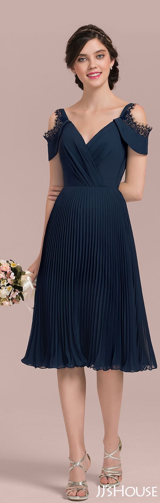 Such an elegant and energetic bridesmaid dress! #JJsHouse #Bridesmaid