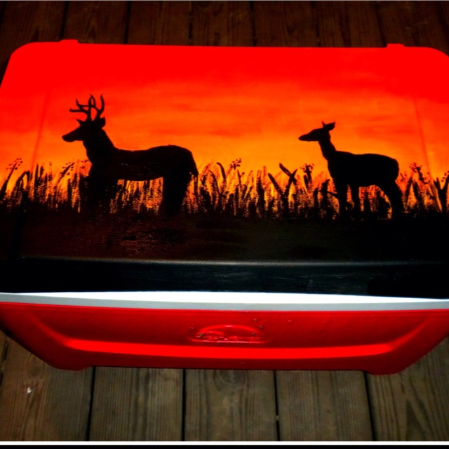 Hand painted coolers! Jason would love this! Now I wonder if they have Mossy Oak????? Hmmmmmm