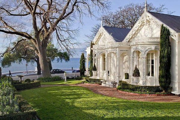 Corio Villa, lovely lacework, Geelong