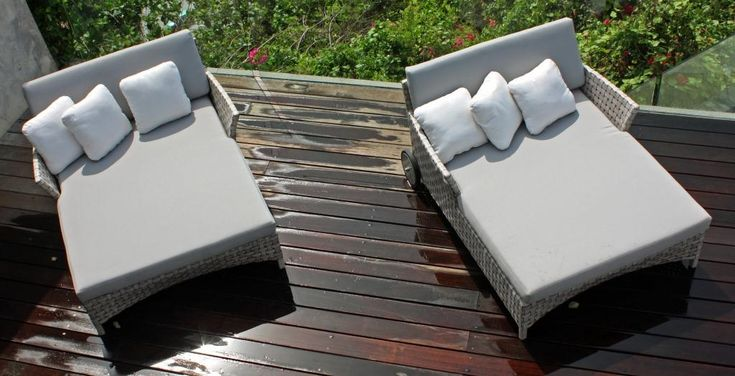 Cielo daybed. Skyline designed rattan daybed, grey rattan daybed woven and cushion covered, perfect for your garden #OutdoorDaybed #GardenDaybed #CommercialDaybed #GreyRattanDaybed #SkylineDaybeds #OutdoorGreyRattanDaybeds #RattanGardenFurniture