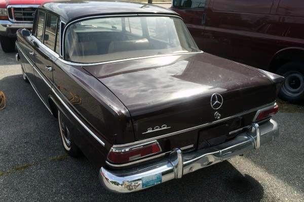 1967 Mercedes 200 Fintail