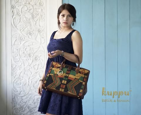 MELANE SUMBA TOTE BAG  by: Kuppu Batik & Tenun  3.400.000,00  A modern unique motifs of Japanese dancer from Sumba, East Nusatenggara, Indonesia - Crafted with chestnut brown Italian cow leather - Size: 39x28x14 cm (LxHxW) - Eco-suede fabric lining - Snap magnetic button closure - Weight: 0.8 kg  More info Laura 08119103668 Line ID kuppubatiktenun  www.kuppubatiktenun.com  #handbags  #tenun #fashion #tas #fashion