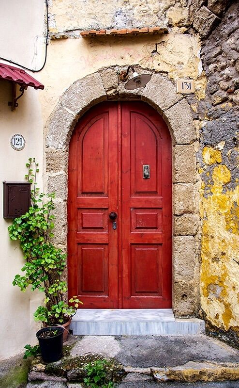 Red door, Rhodes, Greece                                                                                                                                                                                 Mehr
