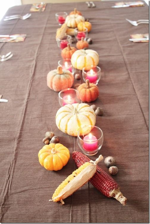 Pretty Thanksgiving table decorations