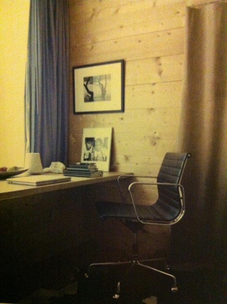 Eames kontorstol sort