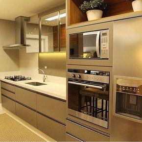 O que dizer dessa cozinha? Por Lilian Maravai.    @decoreinteriores