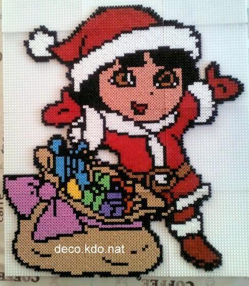 sandylandya.Dora Christmas hama beads by deco.kdo.nat: