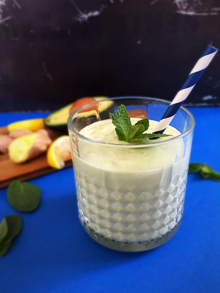 Her er en lækker smoothie, som ikke skyder dit blodsukker ud af kurs. Den er nemlig uden frugt men med avokado i stedet. Avokado er botanisk set et bær, er det ikke sådan? Det tror jeg nok, men uan…