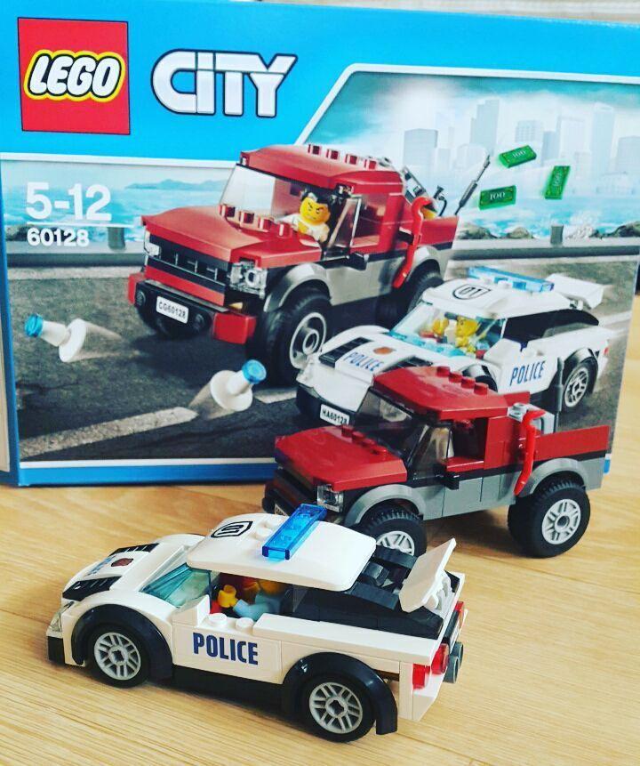 #이마트 갔다가 #그냥심심해서 하나집어옴 그치만 #너무금방끝남 #브릭뱅크 사고싶당  #취미생활#레고스타그램#legostagram#LEGO#레고#레고시티#시티##60128#레고경찰차 by jisun.ssong