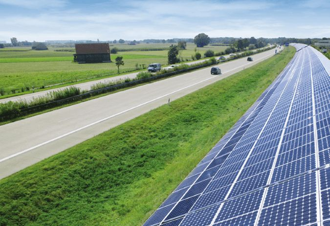 The plan to develop #solar panels next to the A419 and M4 near #Swindon has taken a step closer... The scheme is part of a larger council wide program to develop more solar farms within the area. Another solar development has been consented down the road from Swindon, at the new technical college at RAF #Lyneham...
