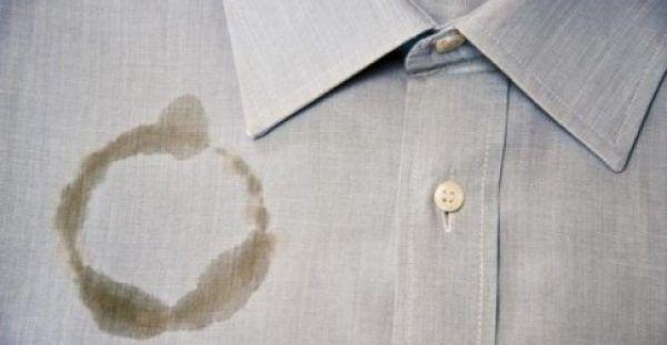 Λερώσατε με λάδι; ΚΑΝΕΝΑ Πρόβλημα! Δείτε πόσο εύκολα θα το καθαρίσετε!