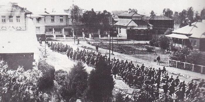 British troops enter Bloemfontein, capital of the Boer Orange Free State, on this day in 1900 #BoerWar #SouthAfrica pic.twitter.com/hsSUh5tFUn